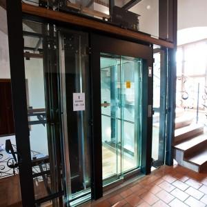 Prosklený výtah Zámek Valeč