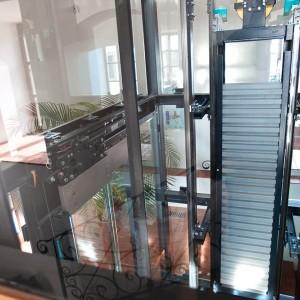Umístění osobního výtahu na zámku Valeč