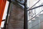 Zázemí proskleného výtahu vyrobeného na Vysočině