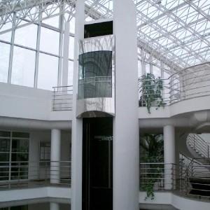 Hydraulický výtah ve Žďáru nad Sázavou