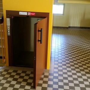 Jídelní výtah v Základní Škole Oslavická ve Velkém Meziříčí na Vysočině